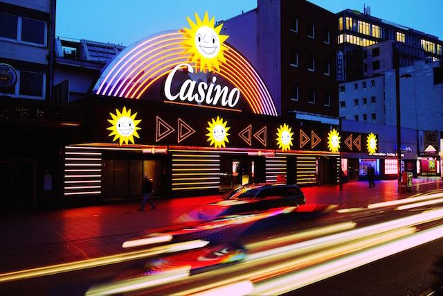 Spielothek vs Online-Casino